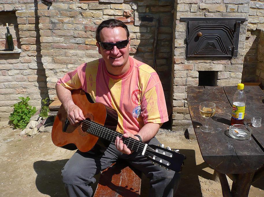 Tomi gitár